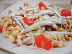 Ricetta alici marinate su fagioli e lenticchie