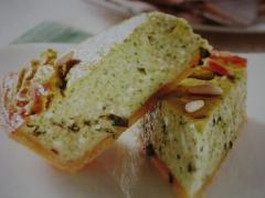 Ricetta torta salata di zucchine, pancetta e caprino