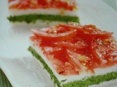 ricetta-facile-e-veloce-millefoglie-morbido-di-spinaci-e-pomodoro