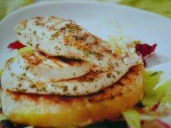 ricetta-facile-e-veloce-tacchino-marinato-con-pomodori-all'aglio