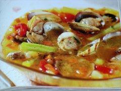 ricetta-facile-e-veloce-zuppa-di-vongole-e-sedano-allo-zafferano