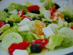 ricetta-facile-e-veloce-insalata-greca