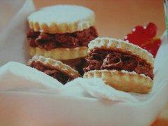 ricetta-facile-e-veloce-biscottini-farciti-al-cioccolato