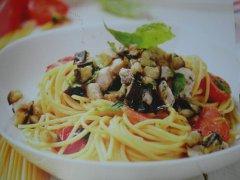 ricetta-facile-e-veloce-spaghetti-alla-chitarra-con-pesce-spada