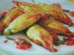 ricetta-facile-e-veloce-fiori-di-zucca-ripieni-di-mozzarella-e-acciughe