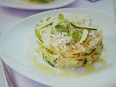 ricetta-facile-e-veloce-sformato-di-riso-zucchine-e-frittata