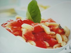 ricetta-facile-e-veloce-cavatelli-alla-crudaiola