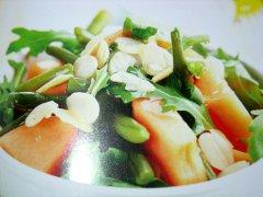 ricetta-facile-e-veloce-insalata-di-melone-fagiolini-e-rucola