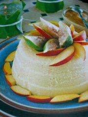 ricetta-facile-e-veloce-budino-di-pesche-noci-con-salsa-di-fichi