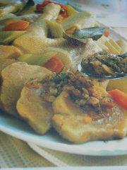 ricetta facile e veloce gallina ripiena bollita con salsa
