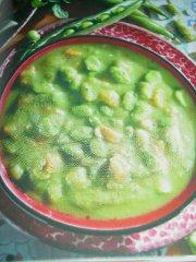 ricetta facile e veloce zuppa di fave alla menta