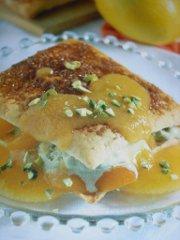 ricetta facile e veloce sfogliatine al pistacchio con salsa di albicocche