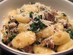 ricetta facile e veloce gnocchi salsiccia e spinaci