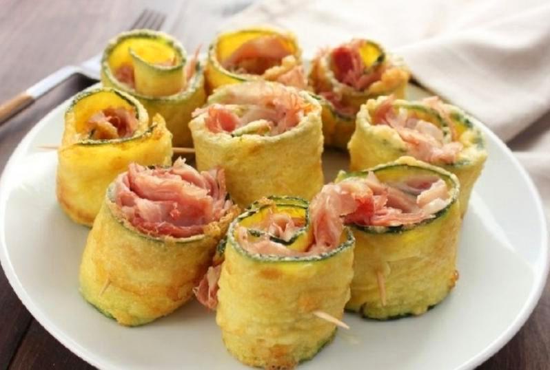 Ricetta Veloce Con Zucchine.Ricetta Involtini Di Zucchine Con Prosciutto Cotto E Formaggio Ricette Facili E Veloci