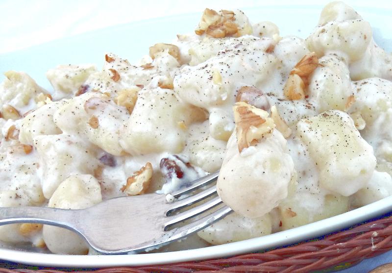 Ricetta Salsa Per Gnocchi Di Patate.Ricetta Gnocchi Di Ricotta Al Sugo Di Noci Ricette Facili E Veloci